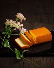 贅沢の極み!! 煙事の燻製チーズが別物どころか別次元!