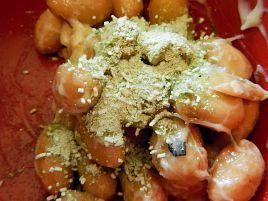 大豆の甘味を楽しむ大粒納豆は塩で食うのが正解なのでは