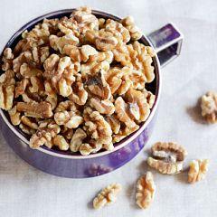 9月30日は糖質代謝、心疾患予防に効果があるクルミの日