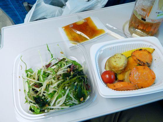 品川→新大阪はフェルミエのチーズと無糖紅茶で優雅な旅
