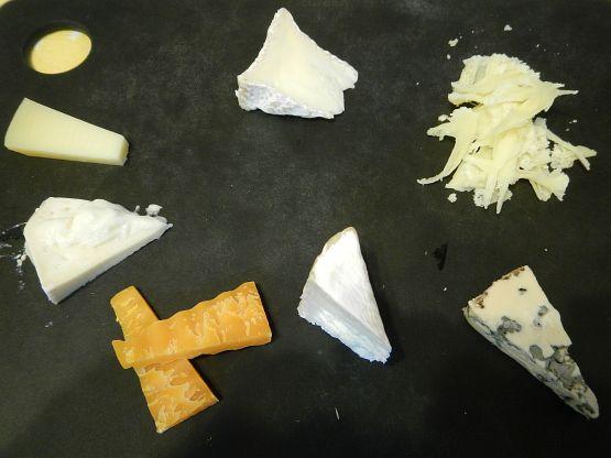 チーズ、ワイン、ナッツ……全部好きだと太っちゃうよねwww